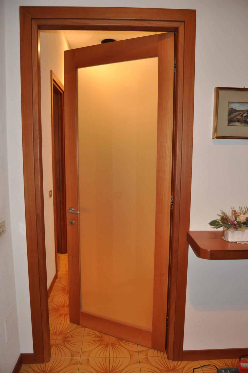 Porte interne roncoroni legno - Porta a soffietto in vetro ...