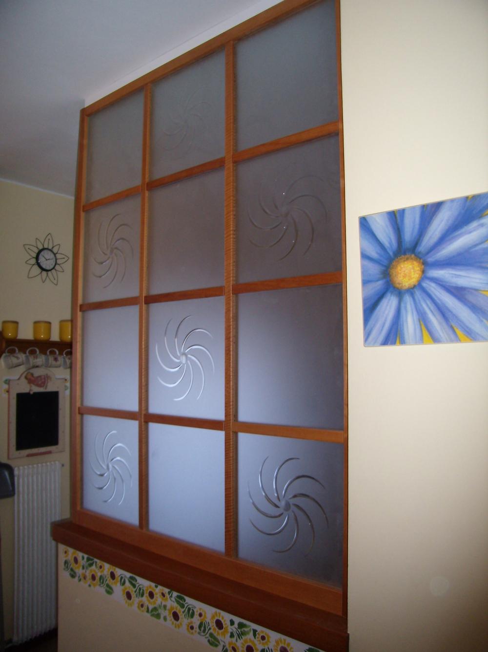 Arredamento su misura roncoroni legno - Parete in vetro satinato ...