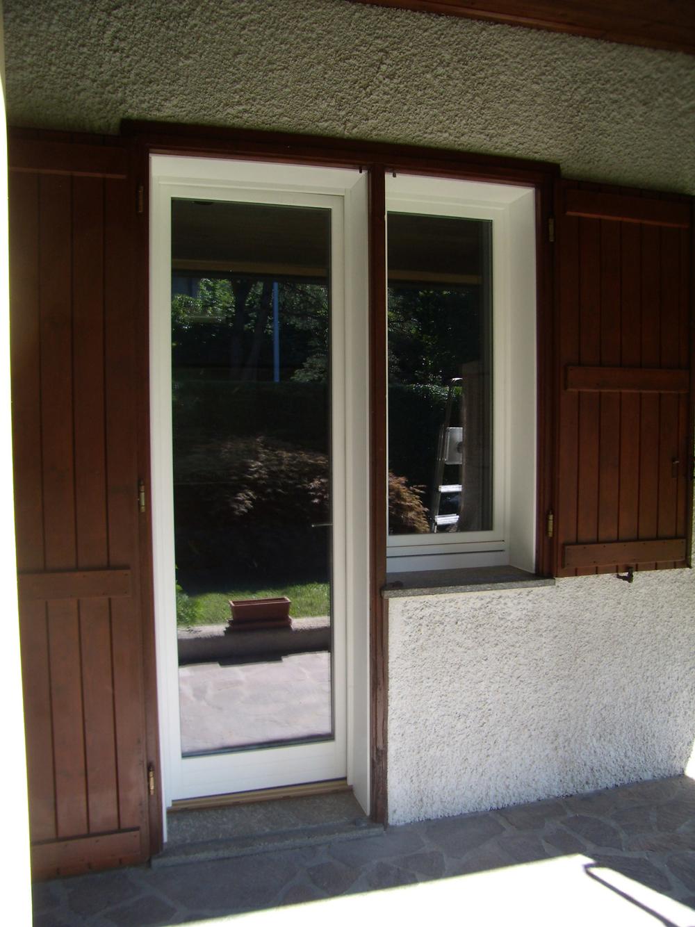 Legno alluminio roncoroni legno for Porta e finestra insieme